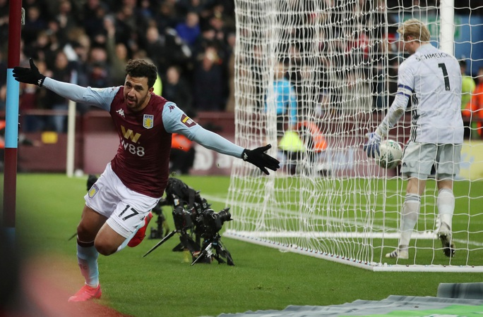 Thắng nghẹt thở Leicester, Aston Villa vào chung kết League Cup - Ảnh 6.