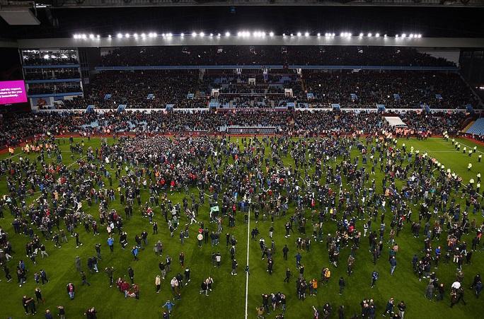 Thắng nghẹt thở Leicester, Aston Villa vào chung kết League Cup - Ảnh 8.
