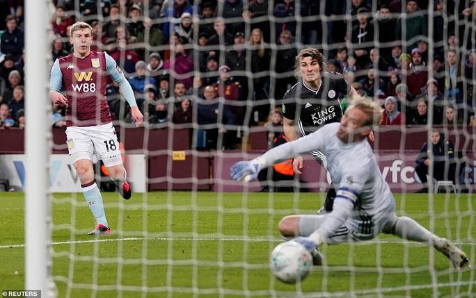 Thắng nghẹt thở Leicester, Aston Villa vào chung kết League Cup - Ảnh 3.