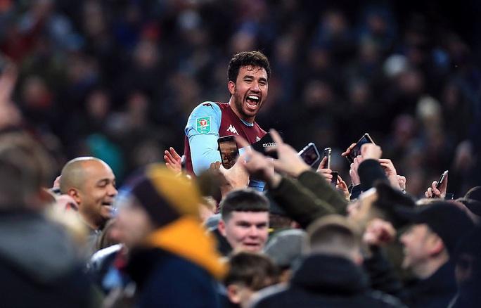 Thắng nghẹt thở Leicester, Aston Villa vào chung kết League Cup - Ảnh 7.