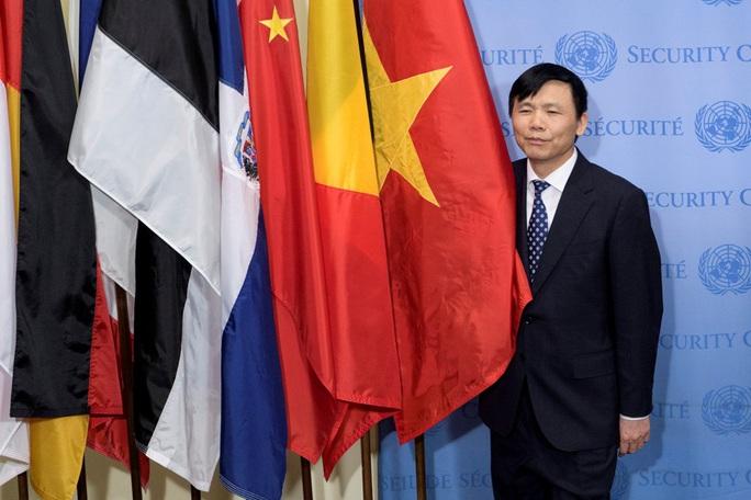 Chính thức cắm quốc kỳ Việt Nam vào hàng cờ ủy viên Hội đồng Bảo an LHQ - Ảnh 1.