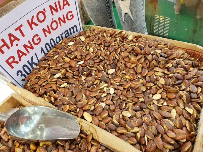 Cả trăm món ăn đặc sản tụ hội ở lễ hội Tết Việt - Ảnh 4.
