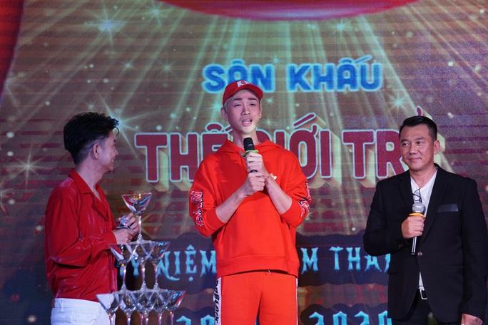 Danh hài Bảo Quốc về nước mừng sinh nhật Sân khấu Sài Gòn phẳng – Nhà hát Thế giới trẻ  - Ảnh 3.