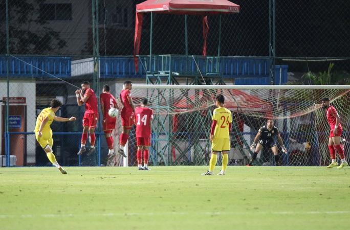 Tấn Sinh ghi bàn từ chấm 11 mét, U23 Việt Nam vẫn bại trận trước Bahrain - Ảnh 3.