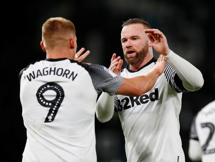 Huyền thoại Wayne Rooney lại gây sốc sân cỏ Anh - Ảnh 4.