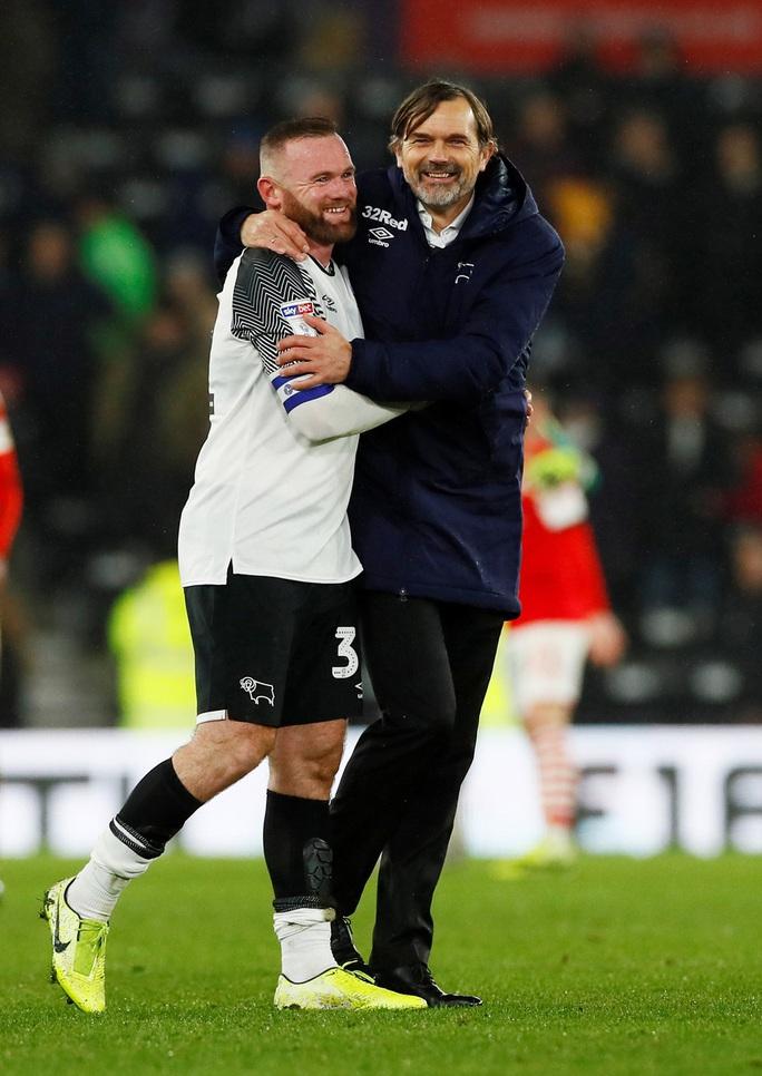Wayne Rooney tái xuất, sân cỏ Hạng nhất nước Anh náo động - Ảnh 7.