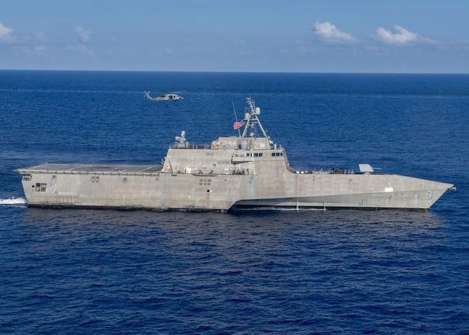Tàu chiến Mỹ thách thức Trung Quốc ở biển Đông - Ảnh 1.