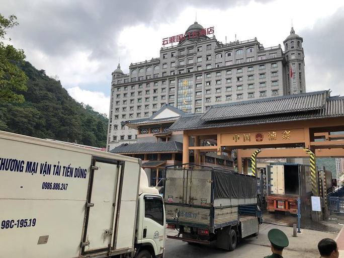 Nông sản xuất đi Trung Quốc còn tồn nhiều ở cửa khẩu, Bộ Công Thương liên tiếp khuyến cáo - Ảnh 1.