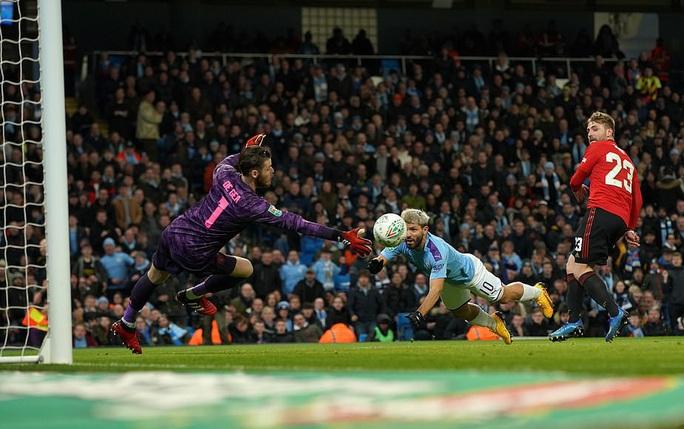 Thắng đại chiến ở Etihad, Man United vẫn vuột vé chung kết League Cup - Ảnh 1.