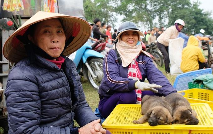 Hàng ngàn người đi chợ đánh nhau cầu may ở Thanh Hóa - Ảnh 11.