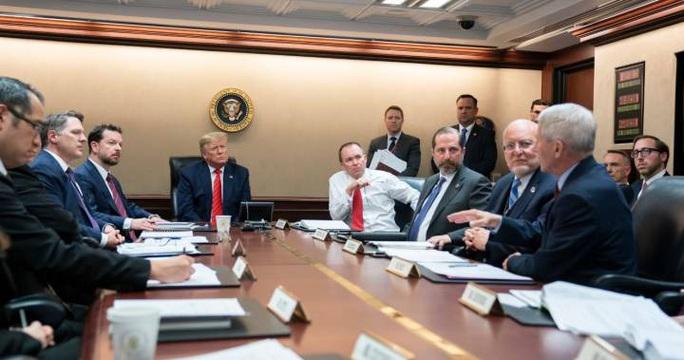 Ông Trump thành lập lực lượng đặc biệt chống virus corona - Ảnh 1.