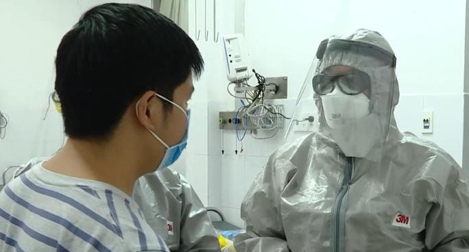 Ca nhiễm virus corona đầu tiên được Bệnh viện Chợ Rẫy cho xuất viện - Ảnh 1.