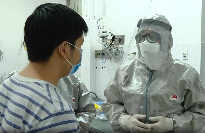 NÓNG: Bệnh nhân thứ 2 ở Bệnh viện Chợ Rẫy đã âm tính với virus corona - Ảnh 1.
