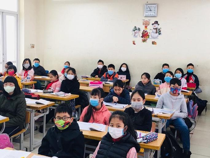 Hàng loạt trường cho học sinh, sinh viên nghỉ học 1 tuần - Ảnh 1.