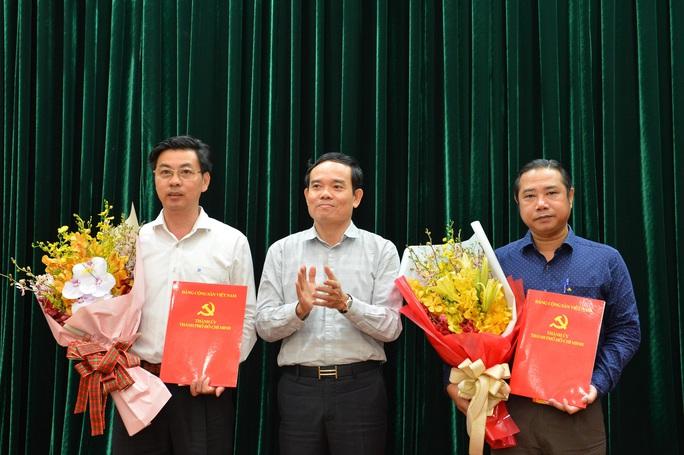 Thành ủy TP HCM điều động cán bộ về Hóc Môn - Ảnh 1.