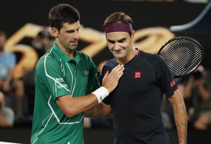Clip Federer tan tành trước Djokovic - Ảnh 4.