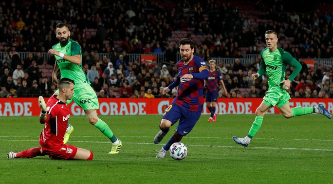 Barcelona đại thắng Leganes, Messi cứu ghế HLV Quique Setien - Ảnh 6.