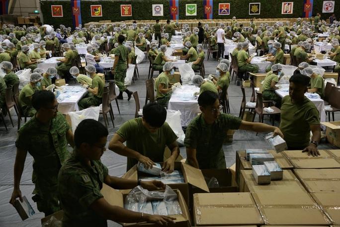 Singapore cung cấp miễn phí 5,2 triệu khẩu trang cho người dân  - Ảnh 2.