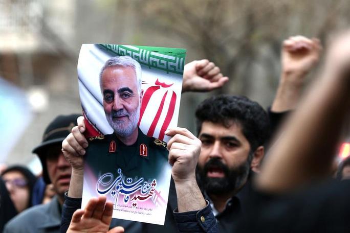 Reuters: Tướng Soleimani sắp đánh lớn quân Mỹ trước khi bị giết - Ảnh 1.