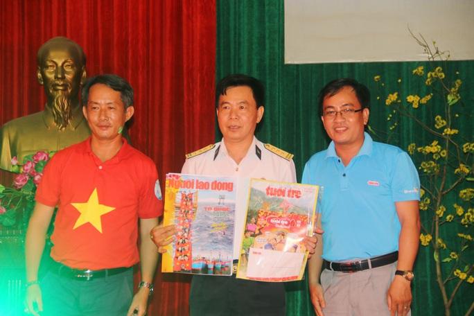 Mùa xuân biển đảo 2020 và Hoa hậu Trần Tiểu Vy đến với Lữ đoàn 681 Hải quân - Ảnh 10.