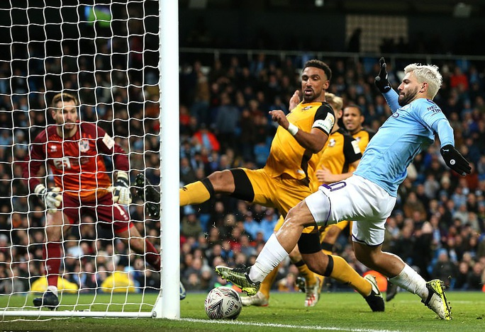 Man United sợ thót tim Wolverhampton, Man City đại thắng FA Cup - Ảnh 5.