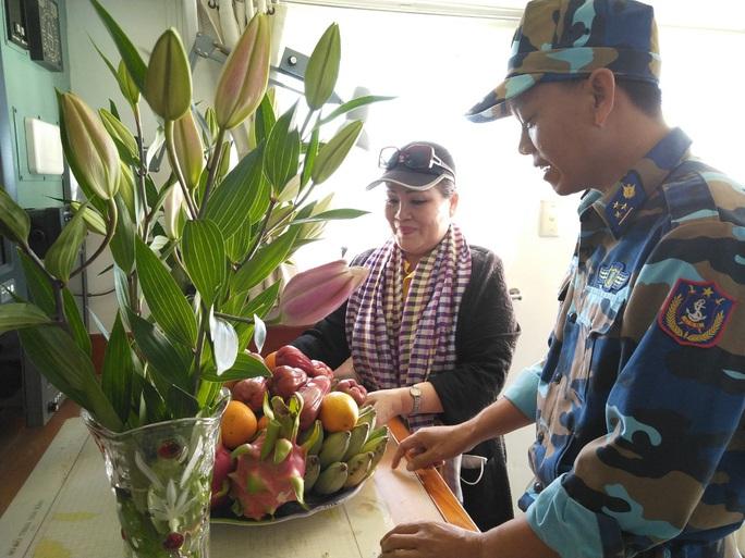 Các chiến sĩ giữ đảo Phú Quý vui hết mình trong Mùa xuân biển đảo - Ảnh 7.