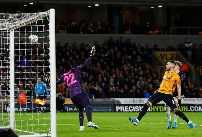 Man United sợ thót tim Wolverhampton, Man City đại thắng FA Cup - Ảnh 4.