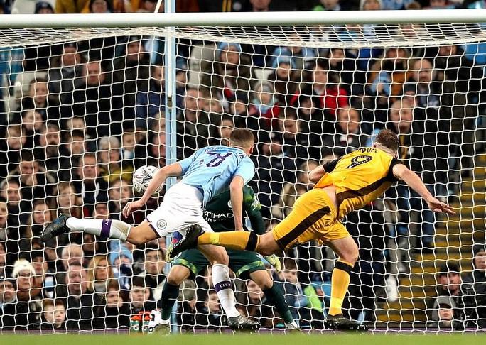 Man United sợ thót tim Wolverhampton, Man City đại thắng FA Cup - Ảnh 6.