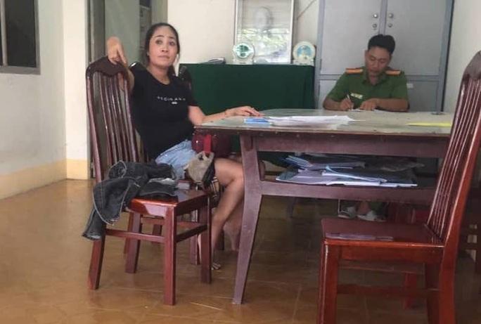 Quý bà tham gia bắt con nợ từ Vĩnh Long chở đến TP HCM - Ảnh 1.
