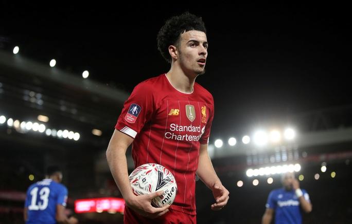 Người nhện rực sáng, Liverpool quật ngã Everton trận derby - Ảnh 7.