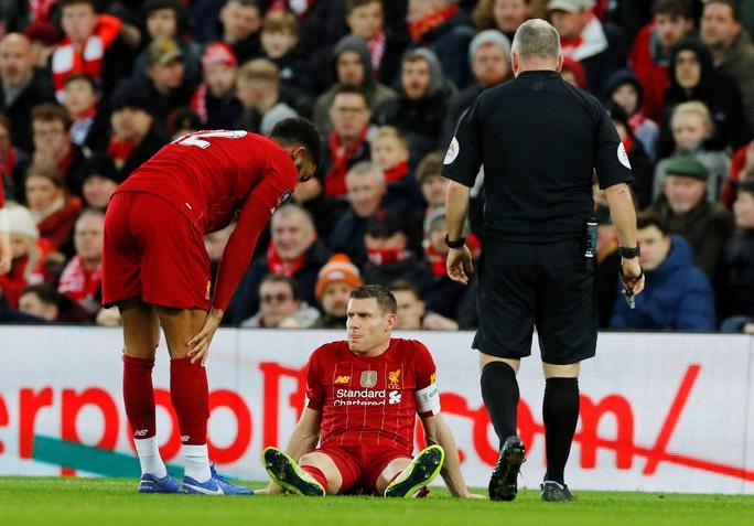 Người nhện rực sáng, Liverpool quật ngã Everton trận derby - Ảnh 2.