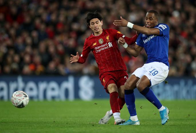 Người nhện rực sáng, Liverpool quật ngã Everton trận derby - Ảnh 3.