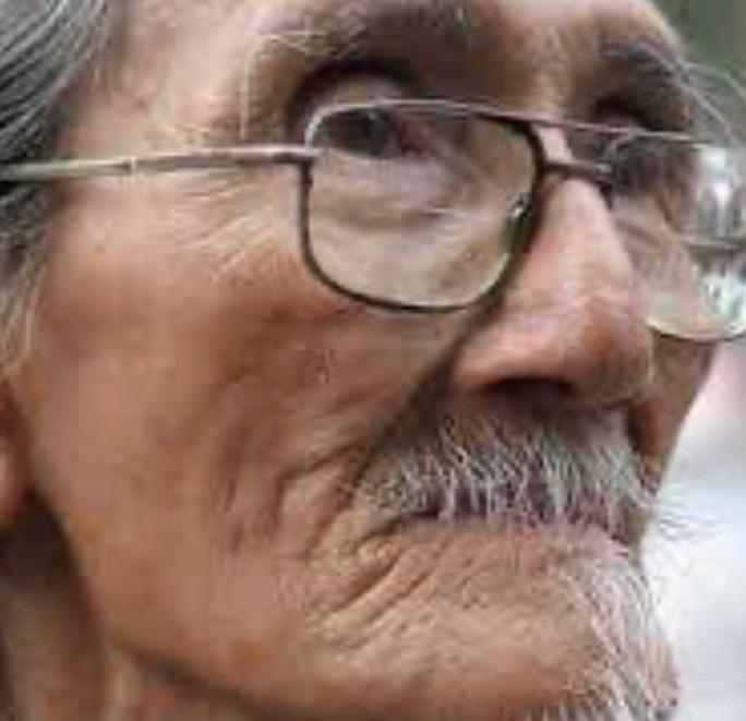 Họa sĩ Hoài Nam – người vẽ tranh cảnh sân khấu cải lương tài hoa đã qua đời - Ảnh 1.