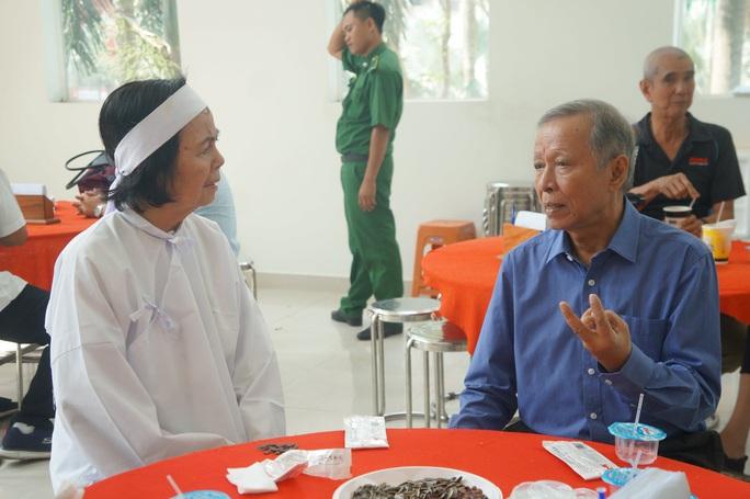Nghệ sĩ Tú Trinh nhớ về đôi bông tai của vợ chồng Nguyễn Chánh Tín - Ảnh 6.