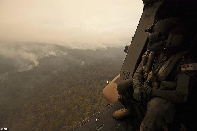 Úc: Siêu cháy rừng sắp hình thành, mưa lớn cản trở nỗ lực dập lửa? - Ảnh 4.