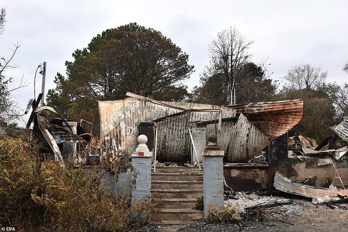 Úc: Siêu cháy rừng sắp hình thành, mưa lớn cản trở nỗ lực dập lửa? - Ảnh 5.