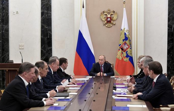 23-1 29 Ngả mũ trước Tổng thống Putin - Ảnh 1.