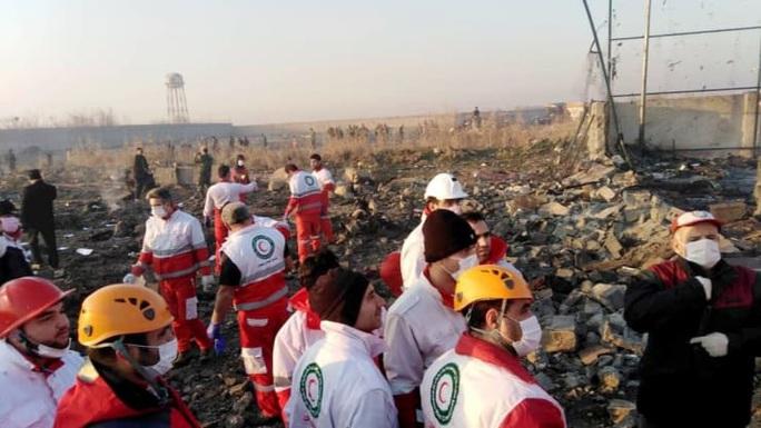 Tranh cãi về thảm họa máy bay Ukraine rơi ở Iran - Ảnh 1.