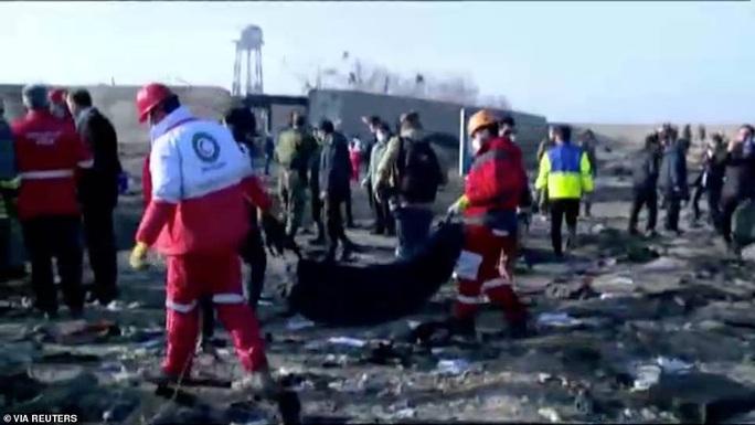 Xuất hiện nghi vấn máy bay Ukraine bị bắn hạ ở Iran - Ảnh 7.