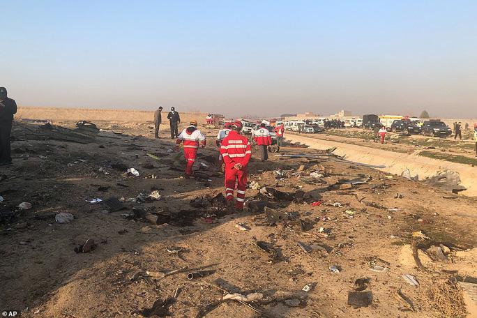 Xuất hiện nghi vấn máy bay Ukraine bị bắn hạ ở Iran - Ảnh 5.
