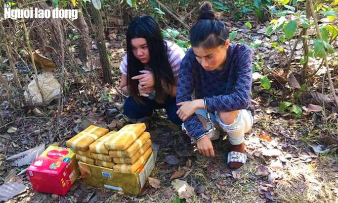 """Nhóm """"nữ quái"""" người Lào buôn ma túy chống trả biên phòng giữa rừng sâu - Ảnh 1."""