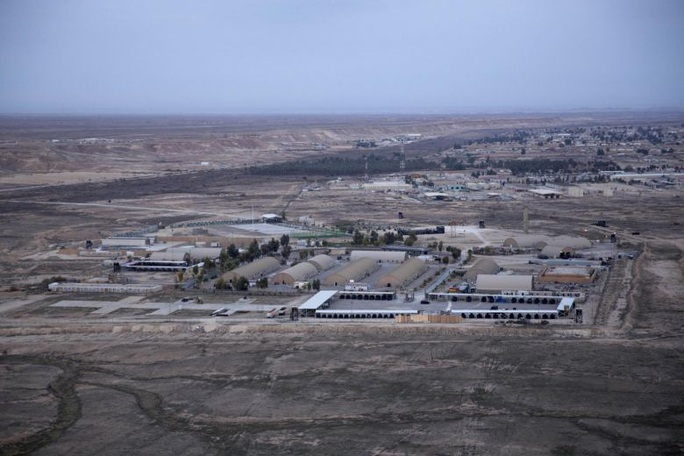 Iran phóng hàng chục tên lửa vào căn cứ Mỹ tại Iraq - Ảnh 4.
