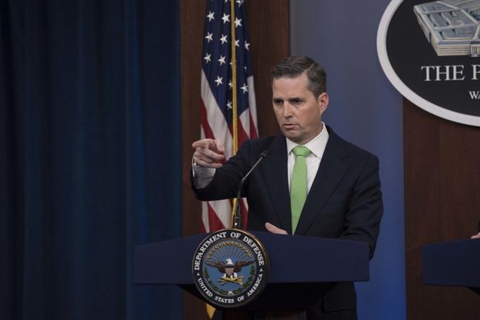 Lầu Năm Góc xác nhận Iran tấn công nhiều căn cứ Mỹ tại Iraq - Ảnh 1.