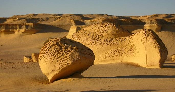 Những nơi trên thế giới... đào đâu cũng thấy quái vật - Ảnh 4.