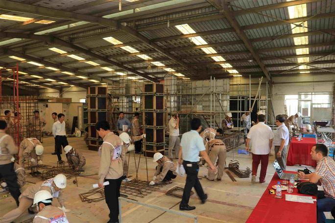 Có thể sơ tán người lao động Việt Nam khỏi khu vực Trung Đông - Ảnh 1.