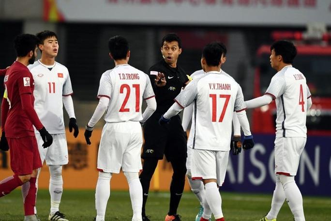 Lộ danh sách trọng tài bắt trận U23 Việt Nam - UAE: Toàn hung thần của thầy trò Park Hang-seo - Ảnh 2.