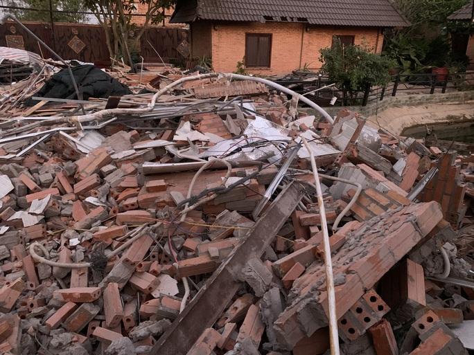 Đã và đang tháo dỡ công trình sai phạm ở Gia Trang quán-Tràm Chim resort - Ảnh 4.