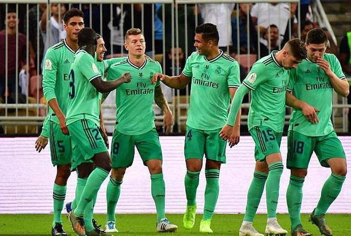 Real Madrid đánh úp Valencia, giành vé vào chung kết Siêu cúp - Ảnh 6.