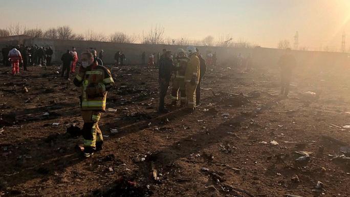 Nhiều nghi vấn quanh vụ rơi máy bay ở Iran - Ảnh 1.