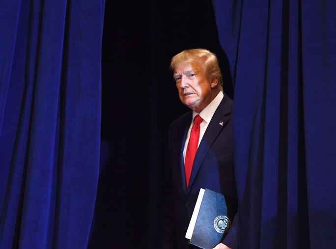 Chủ tịch Hạ viện Mỹ mếch lòng người nhà vì chuyện luận tội ông Trump - Ảnh 3.